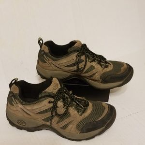Chaco all terrain women's shoes size 9.5 wide